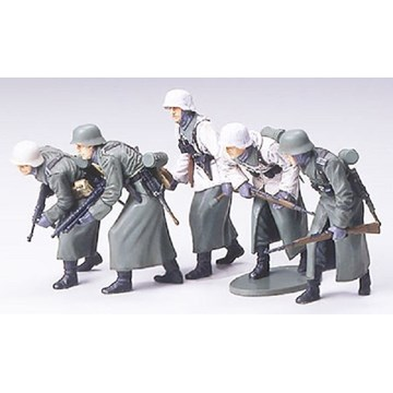 1/35 German Assault Infantry w/Winter Gear - Imagen 1